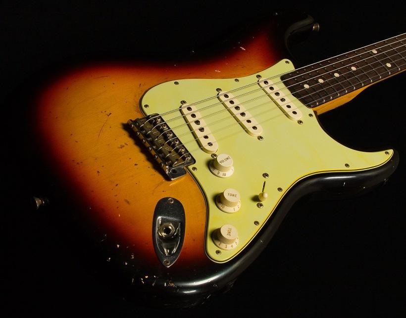 fender-stratocaster-relic-sunburst-1960